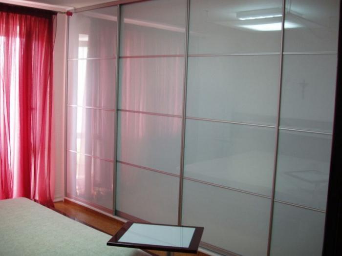 Поръчков гардероб, изработен по индивидуален проект