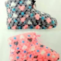 Сиви и розови дамски пантофи тип ботуш.