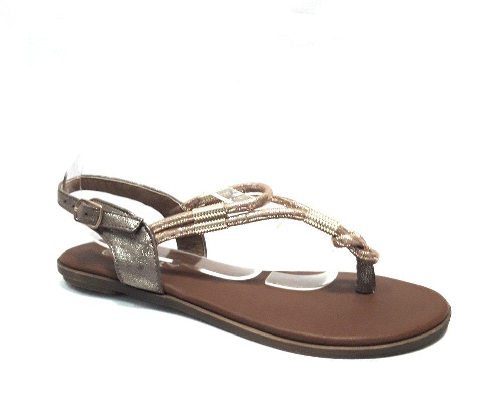 Златисти дамски сандали от естествена кожа.