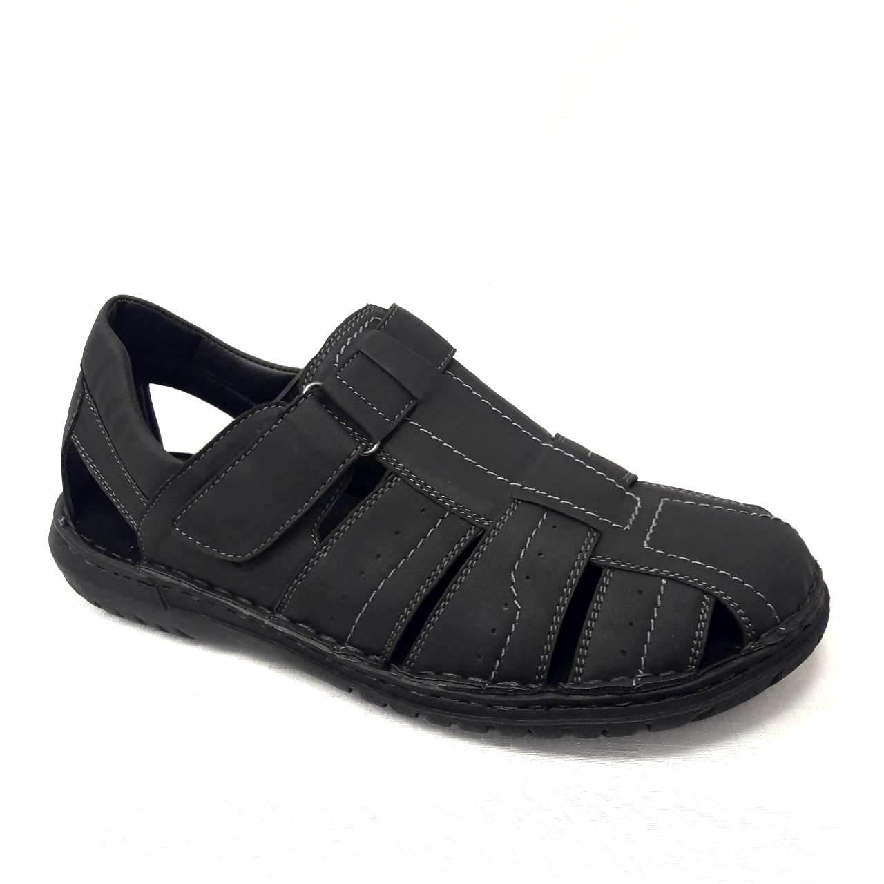 Черни мъжки кожени сандали.