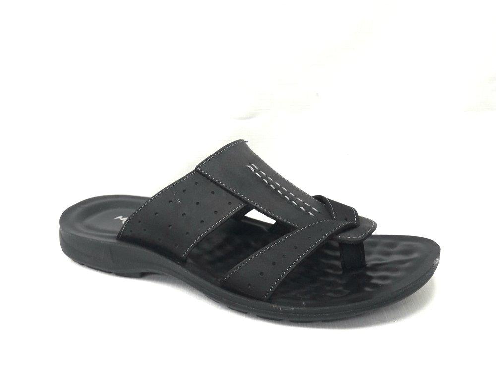 Черни мъжки чехли от естествена кожа.